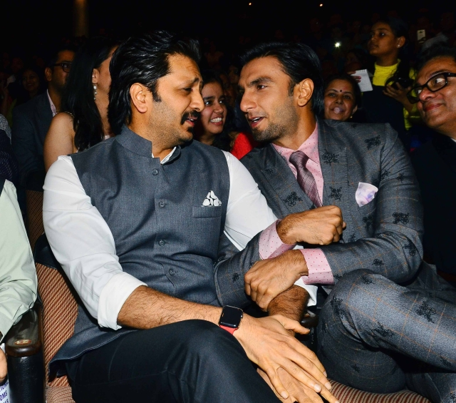 Ranveer & Riteish prove that all good friendships are built on a strong foundation of goss.