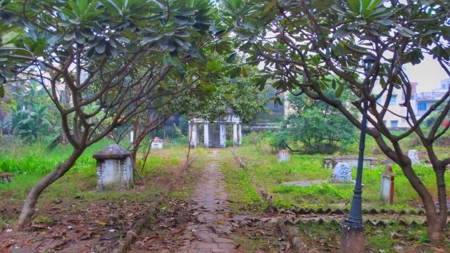 A Dutch cemetery is all that remains in Chuchura.