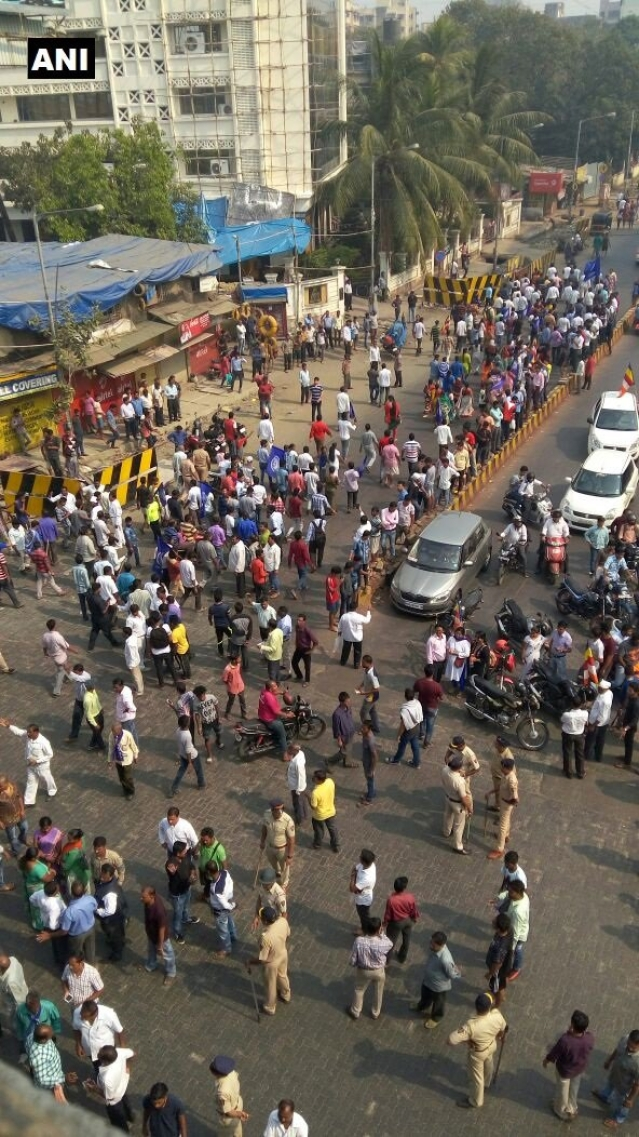 'Rasta Roko' protests at Andheri on Mumbai's Western Express Highway
