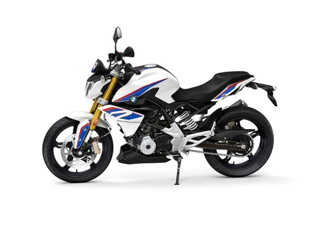 The BMW G 310 R comes with a 313cc engine