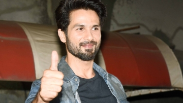 Shahid Kapoor at Chandan Cinema.