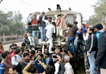 Mathura: Members of Karni Sena and Rajput Mahasabha disrupt railway services during a protest on the eve of the screening of Sanjay Leela Bhansali