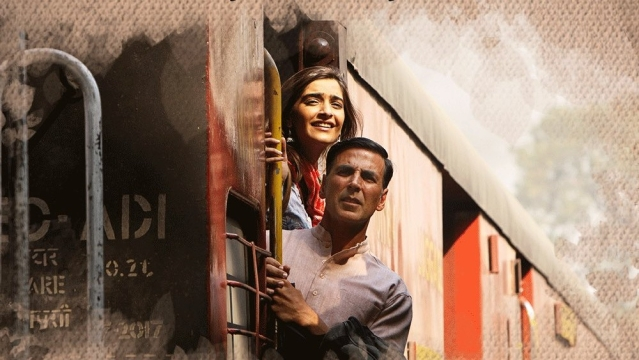 Sonam Kapoor and Akshay Kumar in PadMan.