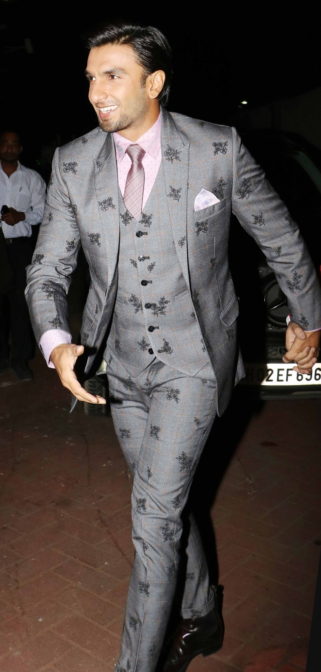 Ranveer Singh sure knows how make an entry.