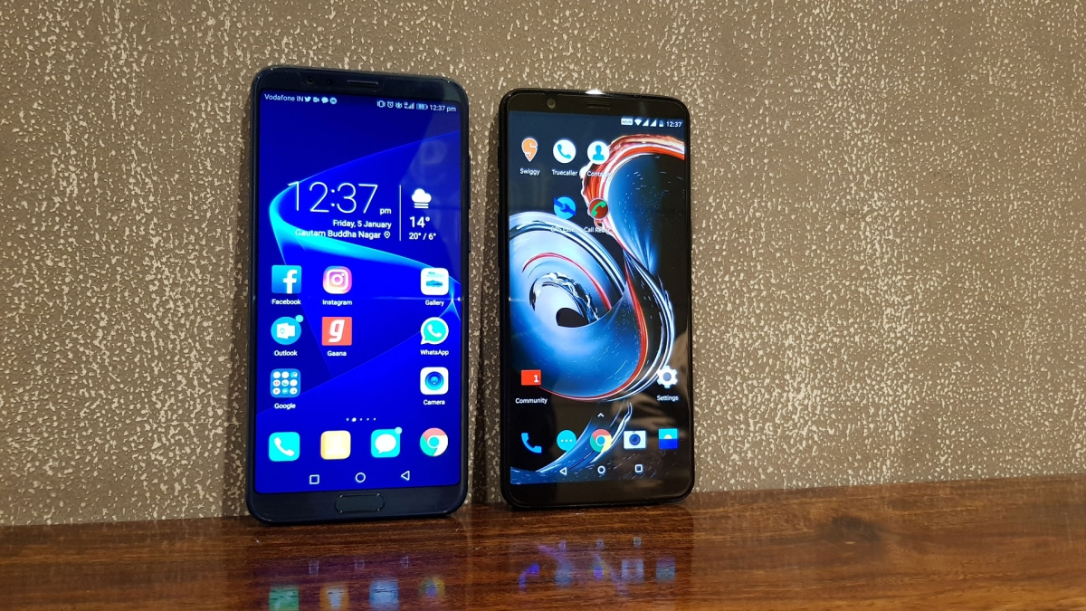 Honor View 10 vs OnePlus 5T: Which One to Buy? - The Quint