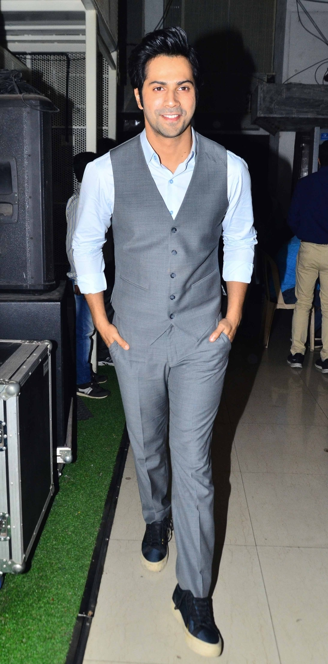 Varun Dhawan turns up at the event in his dapper avatar.
