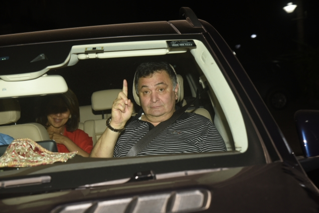 Rishi Kapoor and Neetu Singh Kapoor spotted at the <i>Padmaavat</i> show.