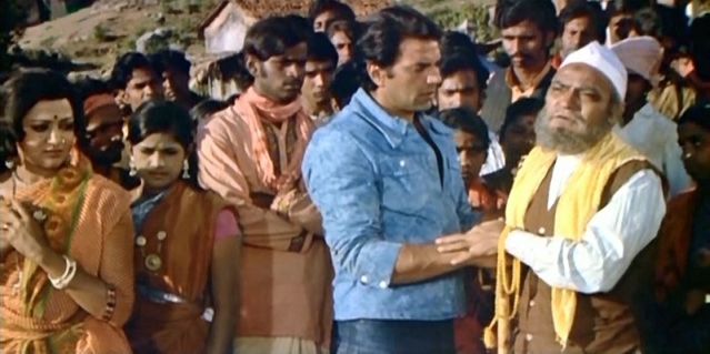 Rahim Chacha of <i>Sholay </i>played by AK Hangal.
