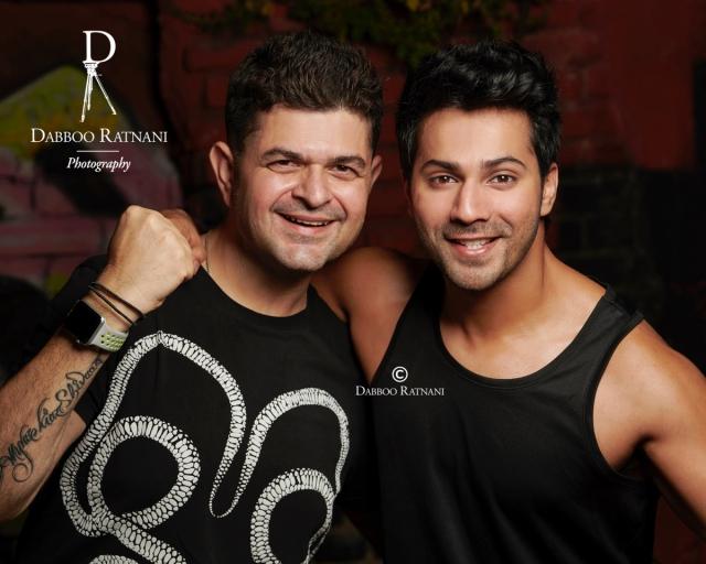Varun Dhawan poses with Dabboo.