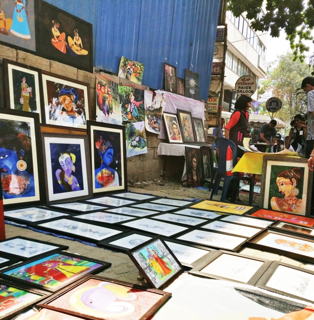 The fair attracted thousands of art aficionados from every corner of the city.