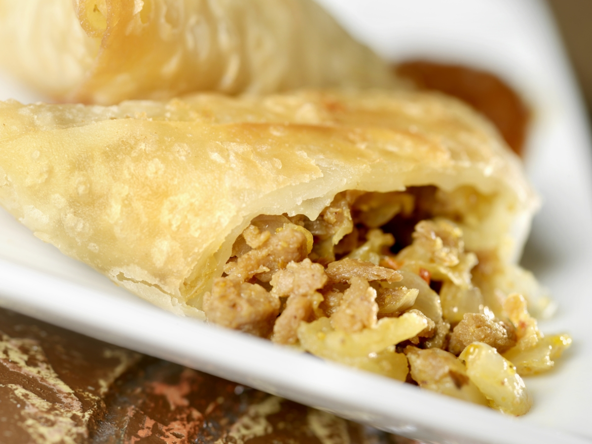 The authentic samosa is fastidious and partial to potatoes.