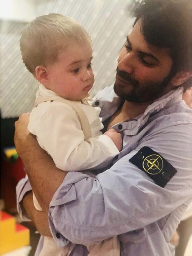 Awww Varun Dhawan with Roohi.