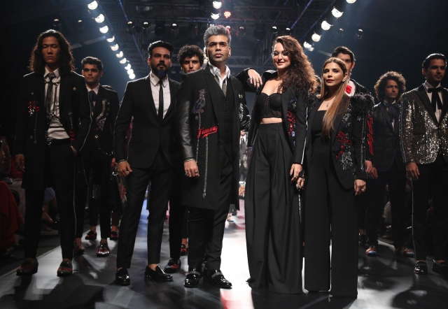 Kjo and Sonakshi with Falguni and Shane Peacock.