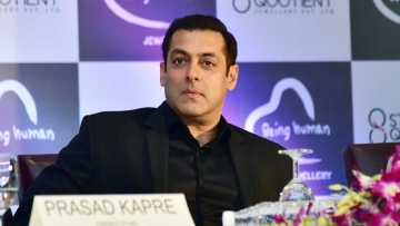 Salman Khan will be back on the small screen with <i>Dus Ka Dum</i>.