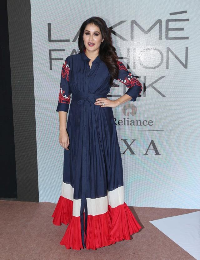 Sagarika Ghatge flaunts a chic ensemble.