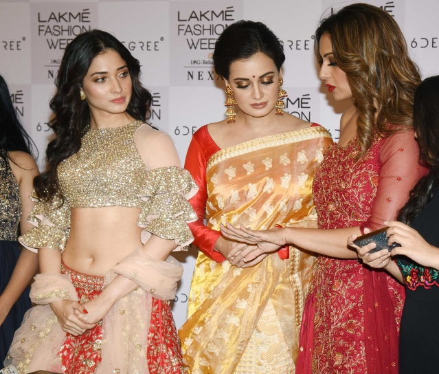 Tamannaah, Dia and Bipasha catch up in the wings.