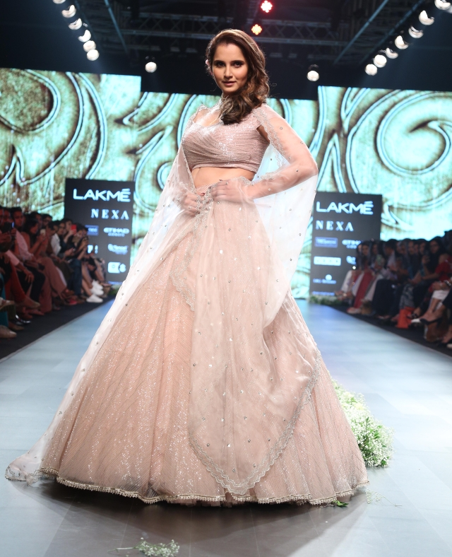 Tennis star, Sania Mirza also walked the ramp.