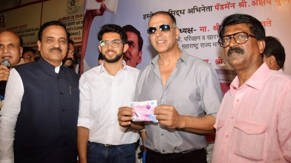 Akshay Kumar and Aaditya Thackeray pose with a sanitary napkin. The duo  inaugurated a sanitary pad vending machine in Mumbai Central ST Bus Depot.