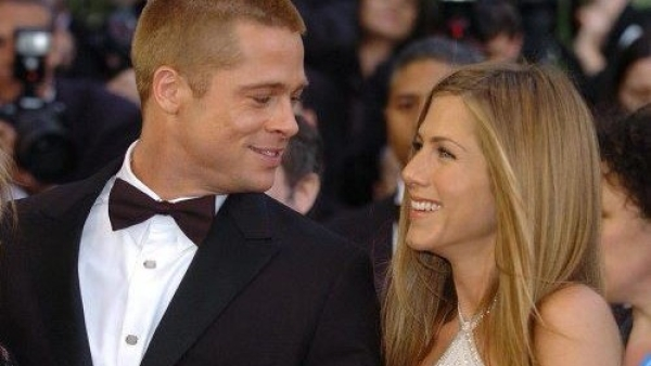 Twitter Tries to Play Cupid for Jennifer Aniston & Brad Pitt