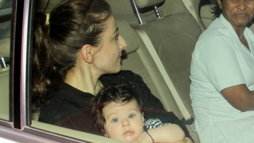Baby Inaaya looks just like Soha Ali Khan.