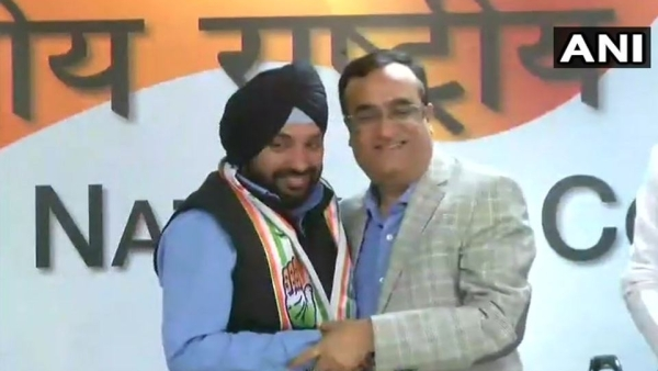 Arvinder Singh Lovely was welcomed back into the party by AICC incharge of Delhi unit PC Chacko along with Maken.