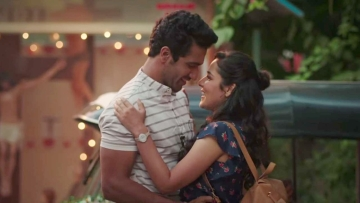 Angira Dhar and Vicky Kaushal in a still from Netflix's <i>Love Per Square Foot.</i>