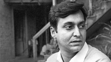 Soumitra Chatterjee on the sets of a film.