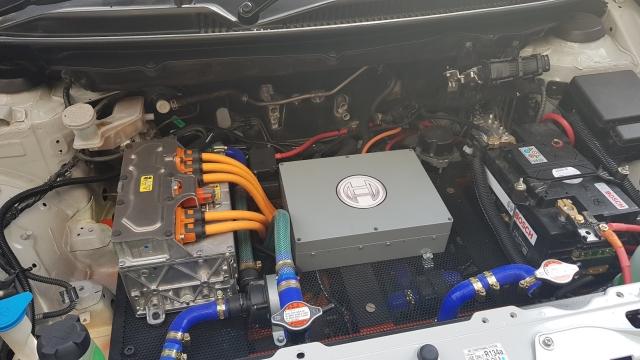 The Bosch 84 kW motor system in the engine bay of the Maruti Baleno.