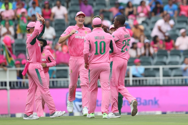 South African players sport pink jerseys in the 4th ODI against India.