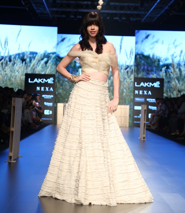 Kalki Koechlin burns the ramp in Amoh by Jade.