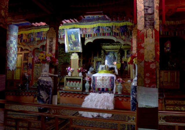 This photograph, taken on 23 June 1999, shows an empty throne of Dalai Lama reserved in the Patola Palace, Lhasa.