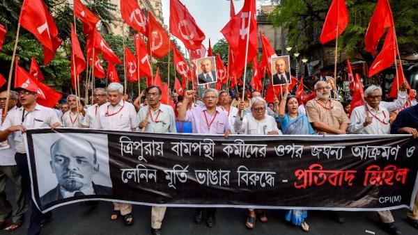 CPI(M) general secretary Sitaram Yehchuri with party leaders Prakash Karat, Suryakanta Mishra, Brinda Karat, Biman Bose, etc, at a rally in Kolkata on Tuesday, 6 March, to protest against vandalizing of Lenin's statues in Tripura.