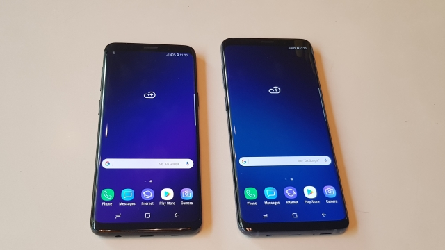 Samsung Galaxy S9 (left), Galaxy S9+ (right)