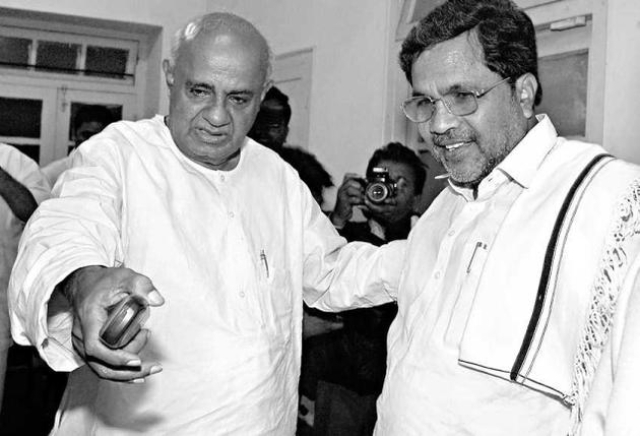 Siddaramaiah was the right hand man of Deve Gowda until 2005.