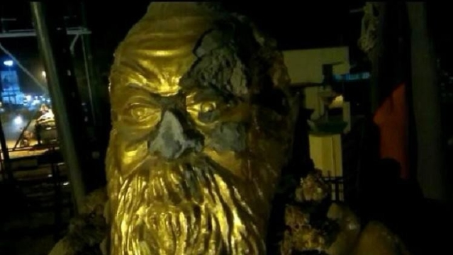 Kamal Haasan had tweeted condemning Raja's post and within a few hours, glasses and nose of a Periyar statue was damaged in Vellore, Tamil Nadu.