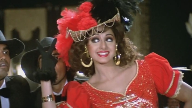 Sridevi in a still from <i>Roop Ki Rani Choron Ka Raja.</i>