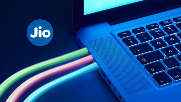 Jio 4G powered, all-time connected affordable laptops could be a hit in India.
