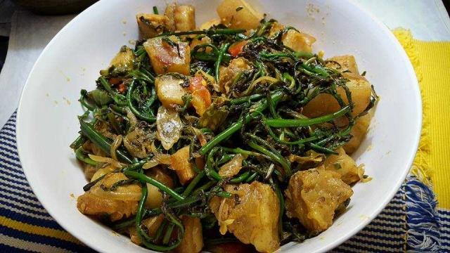 Gahori Dhekia Bhaaji (Fiddle head fern with pork)