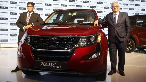 2018 Mahindra XUV500 Launched: Cheetah Inspiration Disappears
