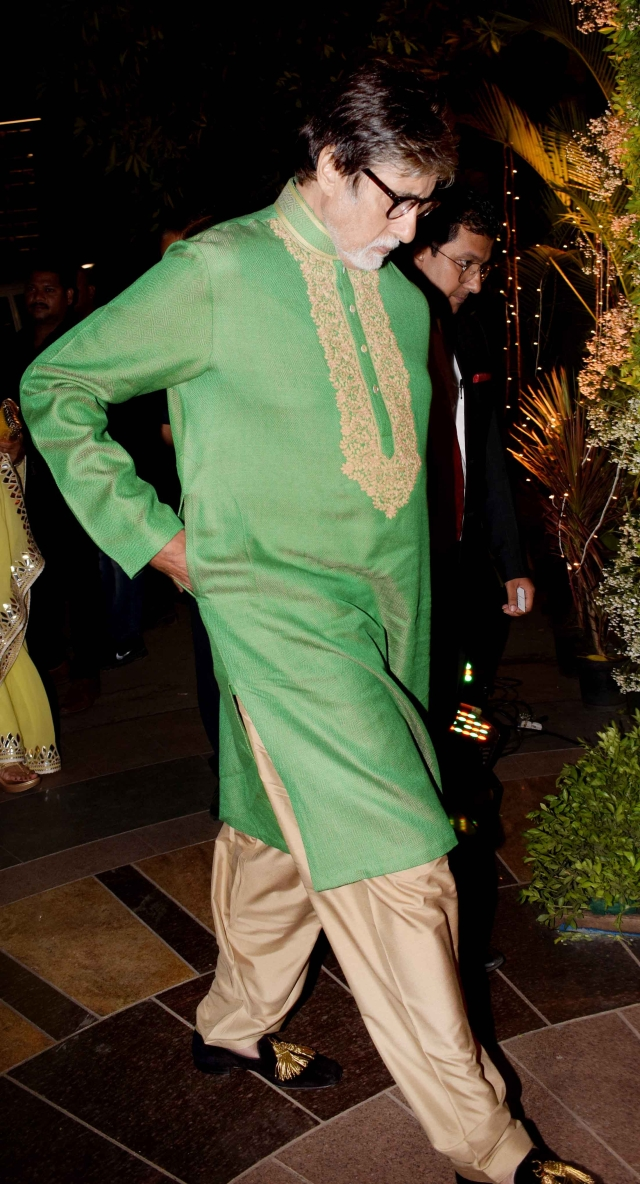 Amitabh Bachchan arrives at the wedding.