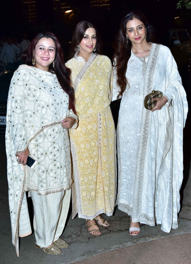 Sonali Bendre and Tabu pose together.