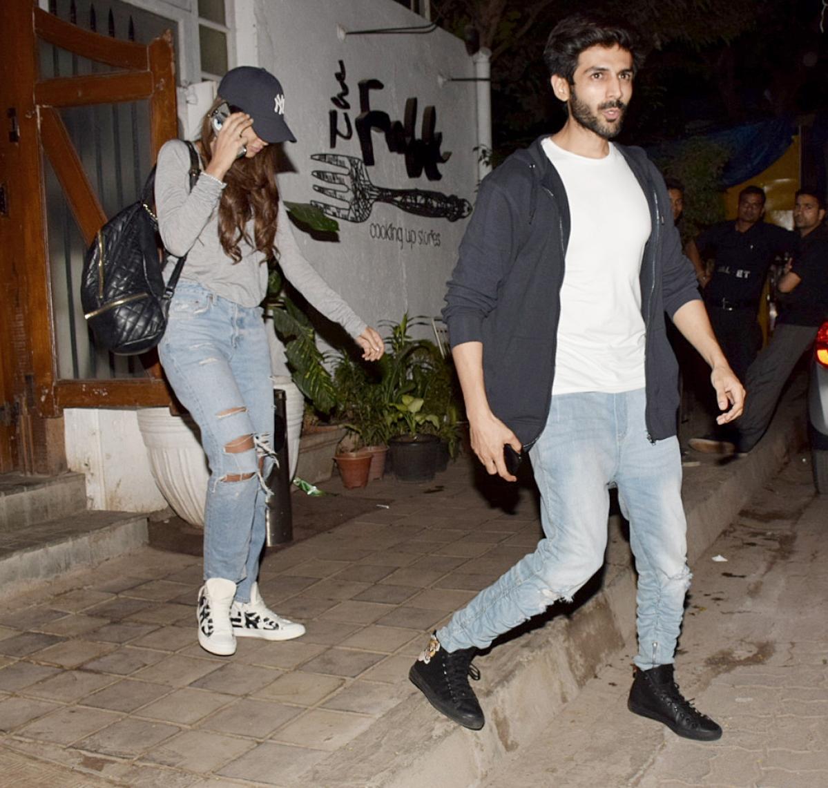 Kartik Aaryan and his alleged girlfriend.