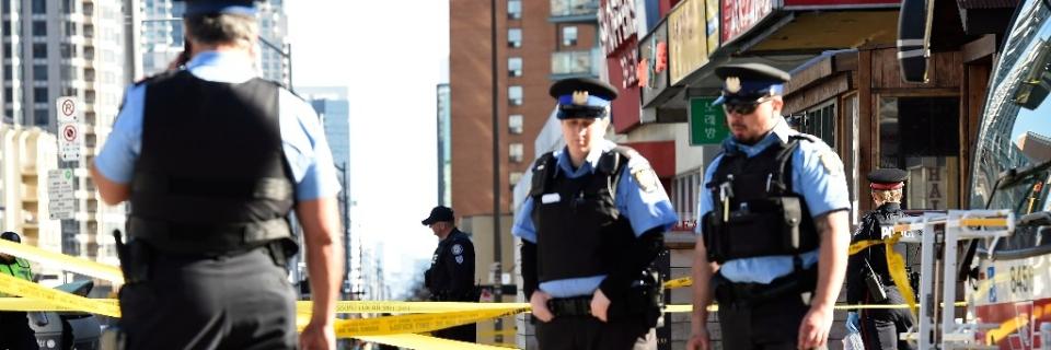 5d72059fb5fda9 Toronto Police Officer Praised for Refusing to Shoot Van Suspect ...