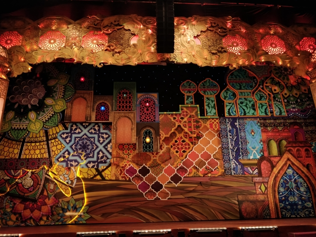 The <i>Aladdin</i> set.