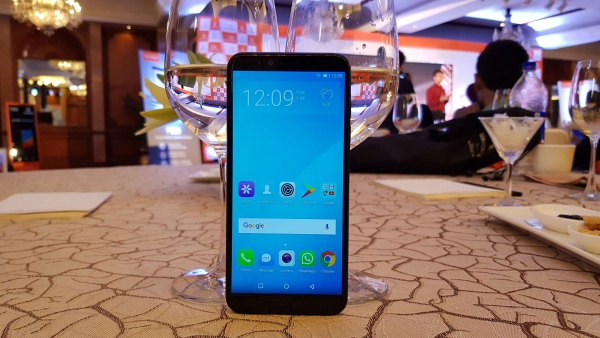 The Gionee S11 Lite comes with a 16-megapixel front camera