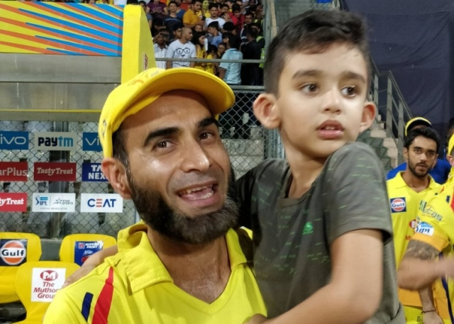 Gibran and dad Imran Tahir were clicked while enjoying CSK's IPL win.