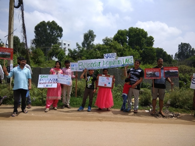 Citizens demanding the rescue and revival of the Pattandur Agrahara Lake.