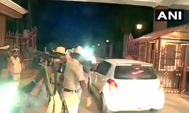 Visuals of Kumaraswamy arriving at Eagleton resort.