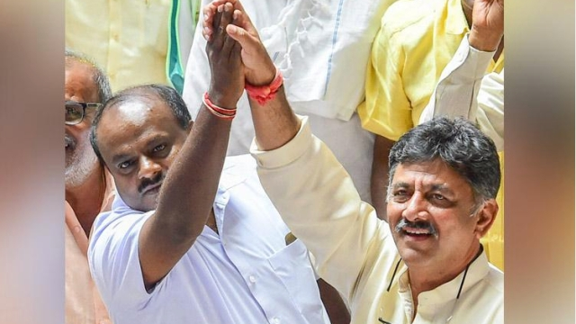 Coalition leaders DK Shivakumar (right) and HD Kumaraswamy in Karnataka Assembly.