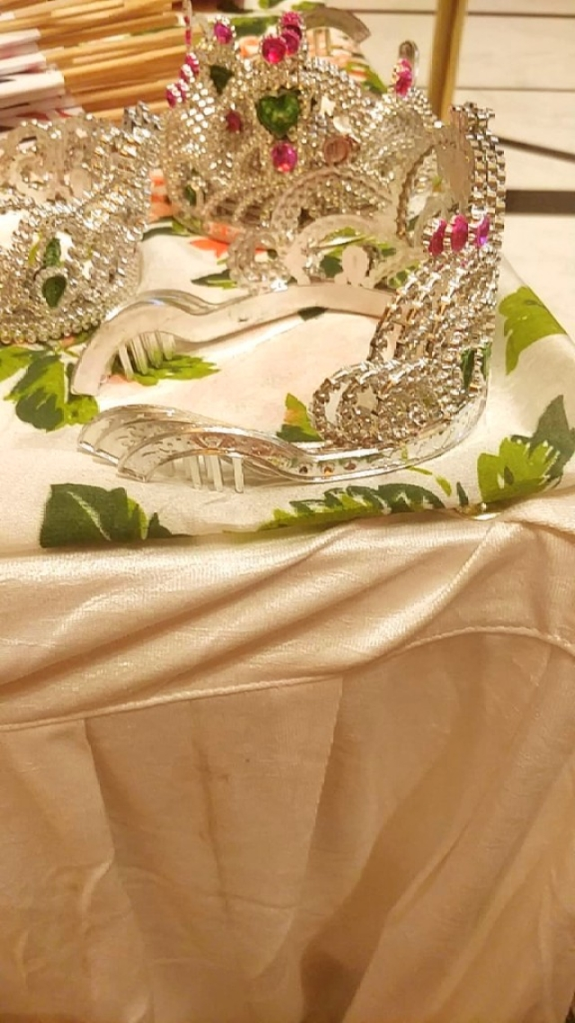 The tiaras offred to all guests.